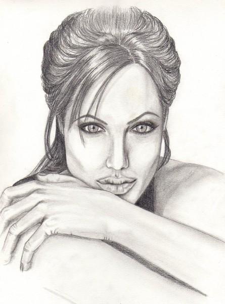Picturi in creion / carbune Angelina
