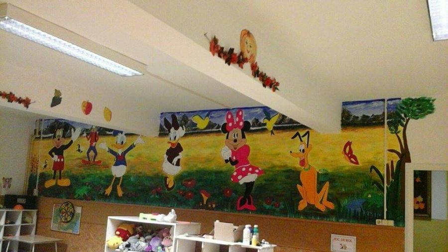 Picturi murale personaje diney la gradi