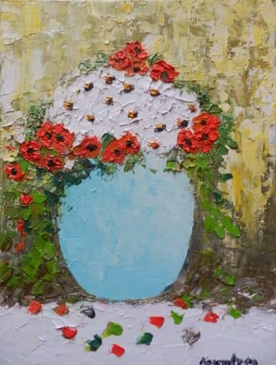 Poza Flori albe si rosii in vas albastru