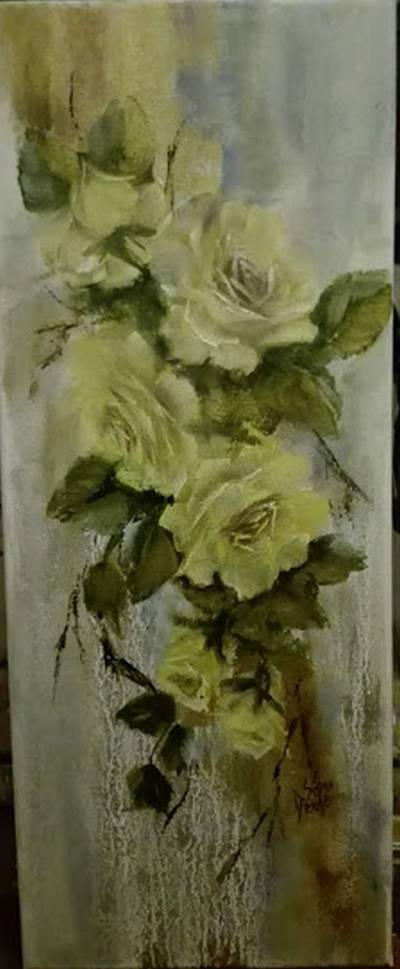 Poza Ramura cu trandafiri galbeni