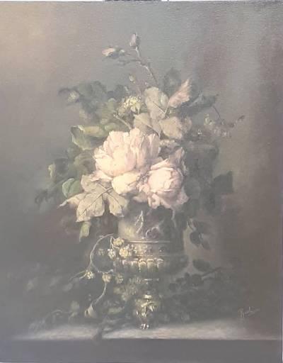 Poza Trandafiri albi si flori de hamei
