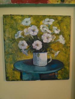 Picturi cu flori Petunii in cana alba