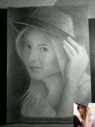Picturi in creion / carbune Portret fata 2